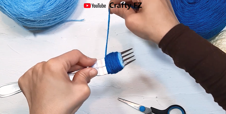 how to make pompom easy way